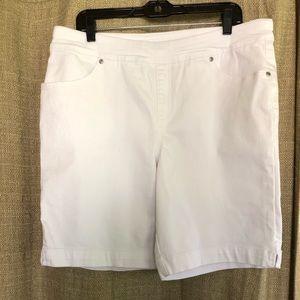 White denim pull on shorts